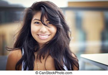 schöne , spanischer , woman, lächelt