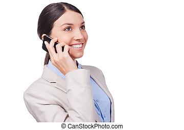 schöne , stehende , talk., geschaeftswelt, sprechende , beweglich, geschäftsfrau, junger, gegen, telefon, während, hintergrund, weißes, lächeln