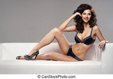 schöne , verlockend, junge frau, in, sexy damenunterwäsche