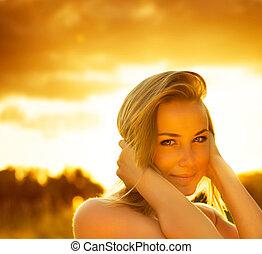 schöne , weibliche , aus, sonnenuntergang