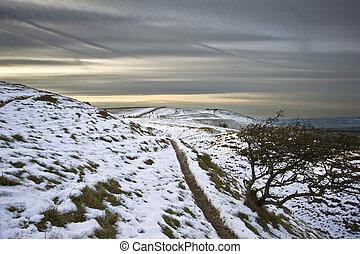 schöne , winter, felder, aus, glühen, sonnenuntergang, landschaftsbild