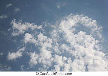 schöne , wolkenhimmel, gewirbelt, a, gust winds, und, der, himmelsgewölbe, gedreht, in, ein, abstrakt, hintergrund