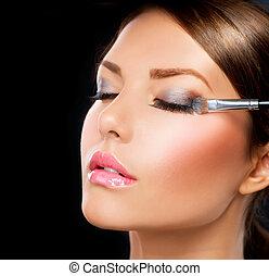 schaduw, applying., oog, borstel, make-up