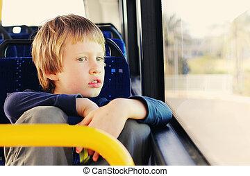 schattig, het zitten, autisme, jongen, bus, lege