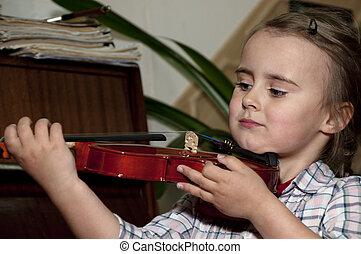 schattig, weinig; niet zo(veel), stap, violin-, gilr, eerst