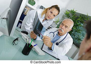 schauen, patient, doktor, xray, weibliche , mann