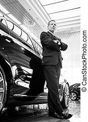 schauen, voll, auto, bild, cars., grau, formalwear, haar, sicher, nur, schwarz, luxus, lehnend, länge, weißes, weg, mann