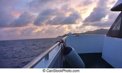 scheeps , op, indische oceaan, op, ondergaande zon , seychellen