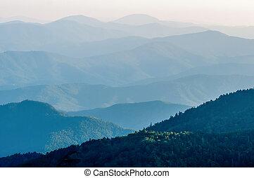 schichten, berg, einfache , rauchig, -, sonnenuntergang, nat...