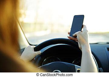 schicken, nahaufnahme, fahren, geschäftsfrau, arbeit, während, text