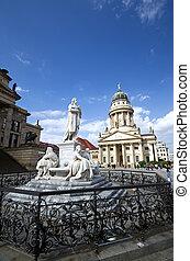 schiller statue gendarmenmarkt