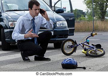 schlagen, radfahrer, nach, hilfe, berufung