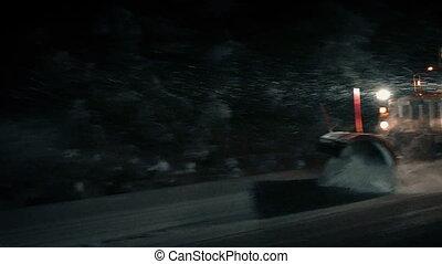 schneepflug, clears, straße, in, dramatisch, schneesturm