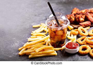 schnellessen, mahlzeiten, :, zwiebelringe, pommes, glas, von, kolabaum, und, gebratenes huhn
