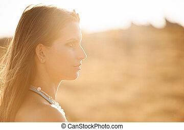 schoenheit, draußen, porträt, von, attraktive, junge frau