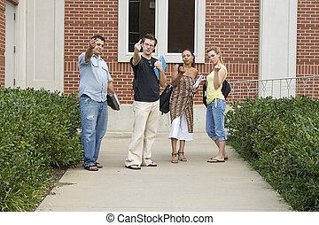 scholieren, boos, college universiteitsterrein