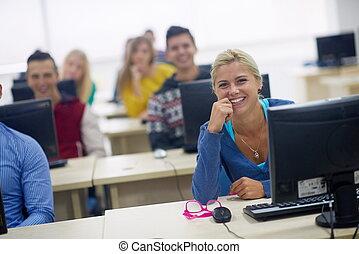 scholieren, groep, in, computer labo, klaslokaal