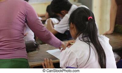 scholieren, in, ngo, weeshuis, school