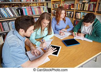 scholieren, notitieboekjes, bibliotheek, schrijvende