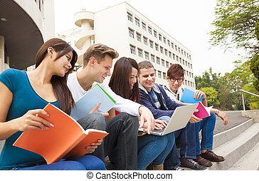 scholieren, studerend , universiteit, groep, jonge