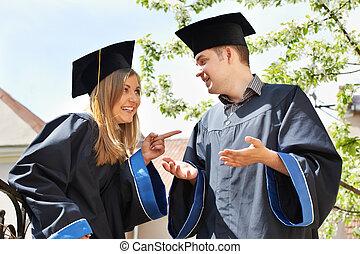 scholieren, vrolijke , buitenshuis, afstuderen