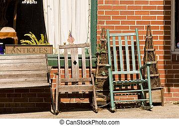 schommelende stoelen, op, antieke opslag