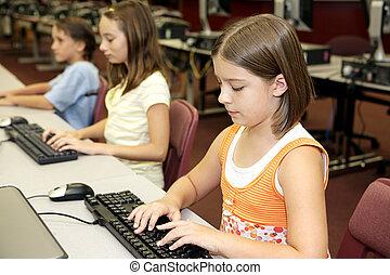 school, de klasse van de computer