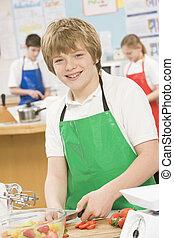 school, het koken, stand, schooljongen
