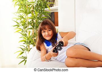 schoolgirl, bereiter controller
