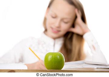 schoolgirl, com, maçã