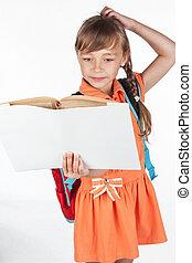 schoolgirl, lezende , schoolboek