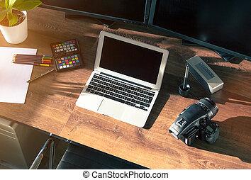 schreibtisch, kugel, von, a, modern, digital, fotokamera, mit, laptop