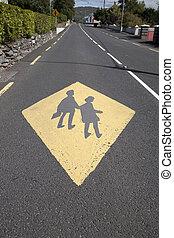 schule, bildung, gelbes zeichen