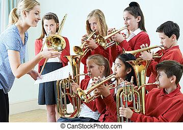 schule, gruppe, studenten, orchester, zusammen, spielende
