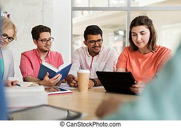 schule, gruppe, tablette, studenten, hoch, pc