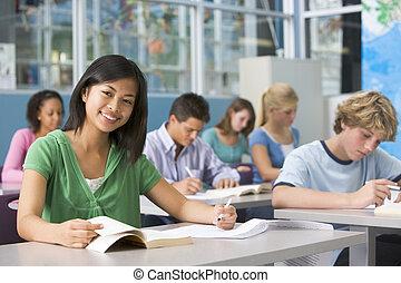 schulkinder, in, gymnasium, klasse