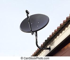 schwarz, satellit, antenne, tellergericht, auf, der, dach