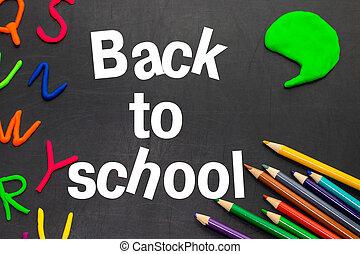 schwarz, tafel, mit, bunte, bleistifte, und, briefe, begriff, für, education., zurück schule, begriff