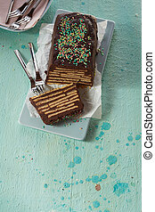 Schwarzer Hund uncooked chocolate biscuit cake