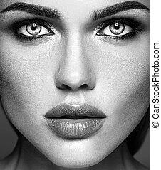 schwarzes weißes foto, von, sinnlich, glanz, schöne frau, modell, dame, mit, frisch, alltaegliches, aufmachung, und, sauber, gesunde, haut, gesicht