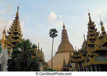 Schwedagon Pagoda, most important Buddhist temple in Burma