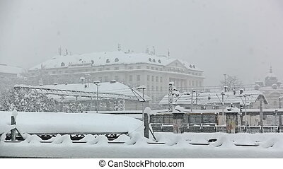 schwer , schneien, in, zagreb, croatia.