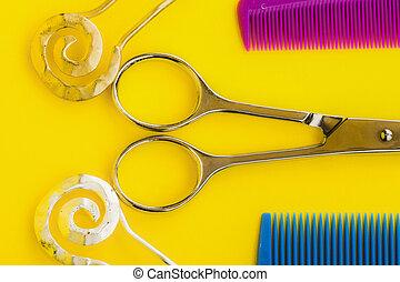scissors combs hairpins