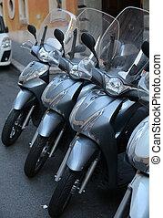 scooter, in, uno, parcheggio, in, roma, italia