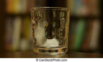Scotch Pour 1a