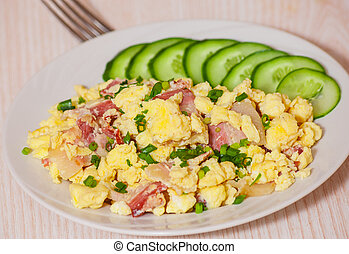 scrambled eggs with bacon