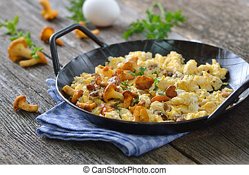 Scrambled eggs with chanterelles - Scrambled eggs with fresh...