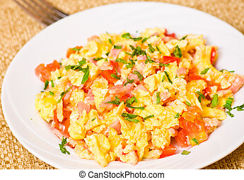 scrambled eggs with ham and vegetables