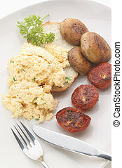 scrambled eggs with tomato and mushroom