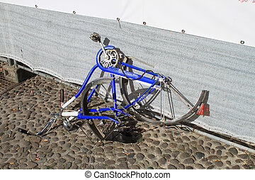scrap bicycle